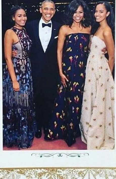 Barack and Michelle Obama on their final White House Christmas card with daughters in 2016.