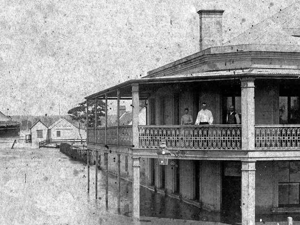 ABOVE: Holmsten's Family Hotel during the 1890 flood.