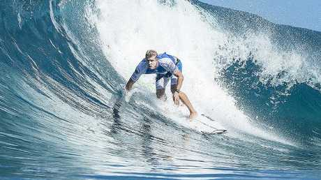 Mick Fanning in action at Pipeline. Picture: AAP