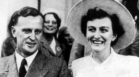 Sir Joh Bjelke-Petersen with Lady Flo on thier wedding day in 1952.