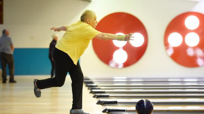 Elva Liddy is still enjoying regular tenpin bowling at the age of 90. Elva bowling at AMF Bowling Boronia.
