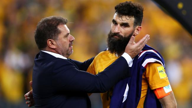 Ange Postecoglou and Mile Jedinak. (Photo by Mark Kolbe/Getty Images)