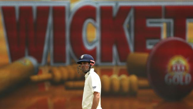 Alastair Cook may be nearing the end, says Mitchell Johnson.
