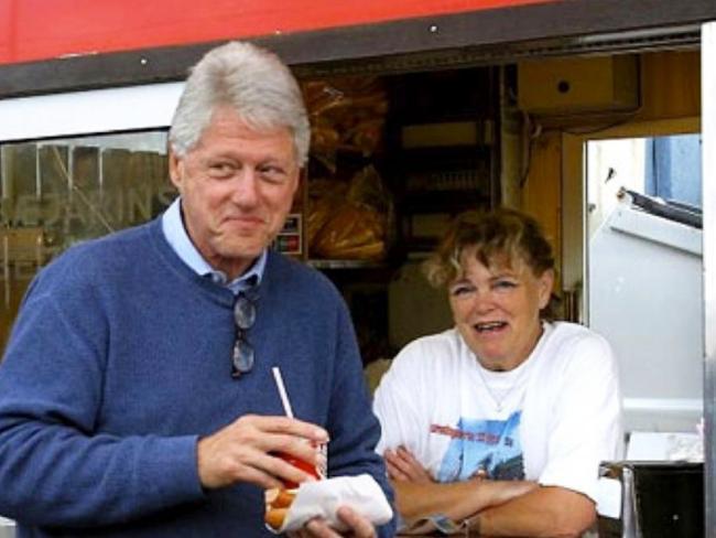 Bill Clinton and Maria Einarsdottir at Iceland's famous hot dog stand. Picture: Bæjarins Beztu Pylsur