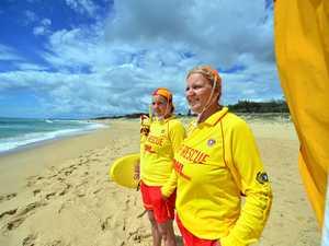 Mum-daughter team returns to the sand