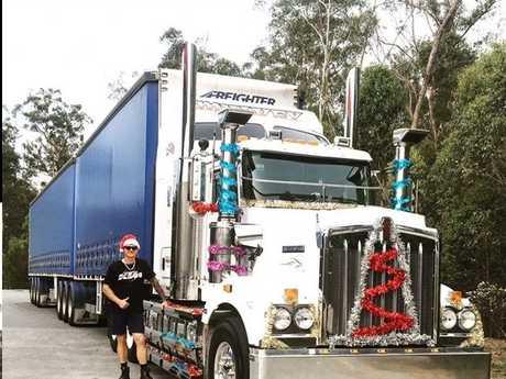 Desmond Ellem as Santa