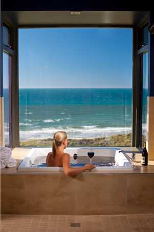 Overlooking the Lost Farm layout and Anderson Bay, Barnbougle Spa is a tranquil sanctuary for you to refresh, reflect and renew.