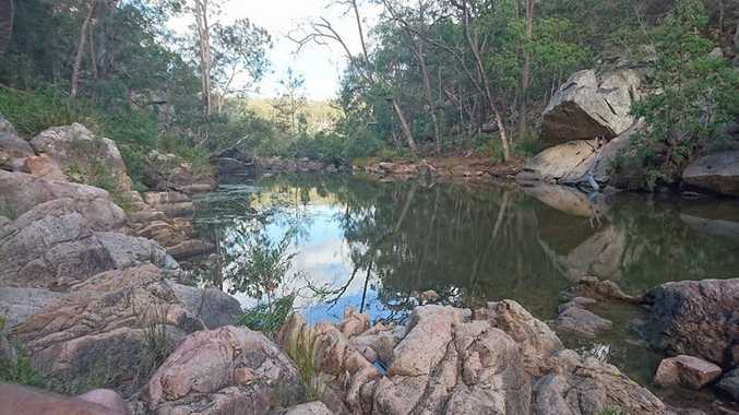 Bottlebrush pool at Crows Nest National Park, just enough water for kids to have great fun