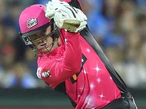 Strikers see off late Sixers charge