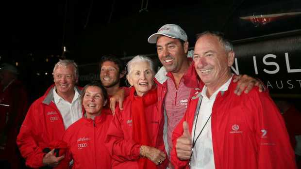 Mark Richards celebrates with the Oatley family. Picture: Richard Jupe