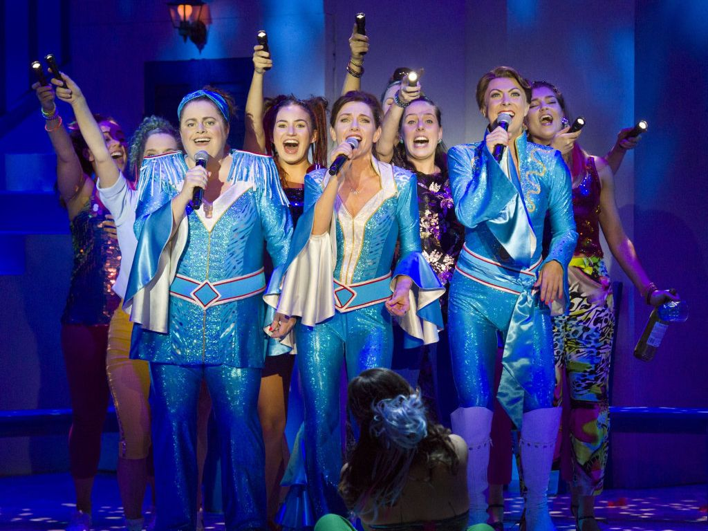 The cast of the 2017/18 Australian production of Mamma Mia!