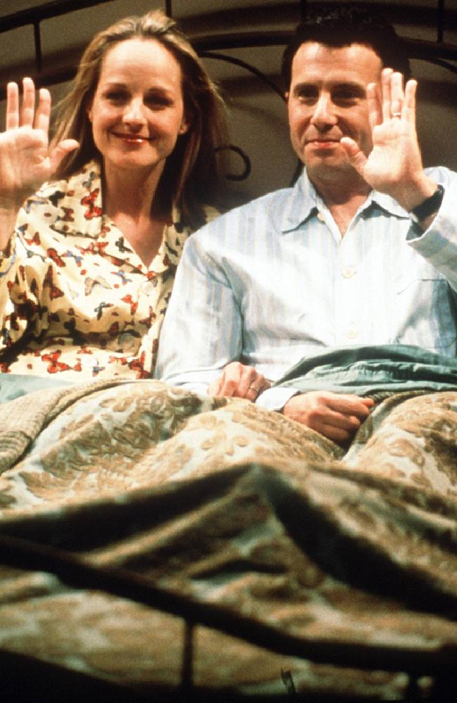 Helen Hunt and Paul Reiser wave goodbye during the show's final episode in 1999. Picture: Supplied