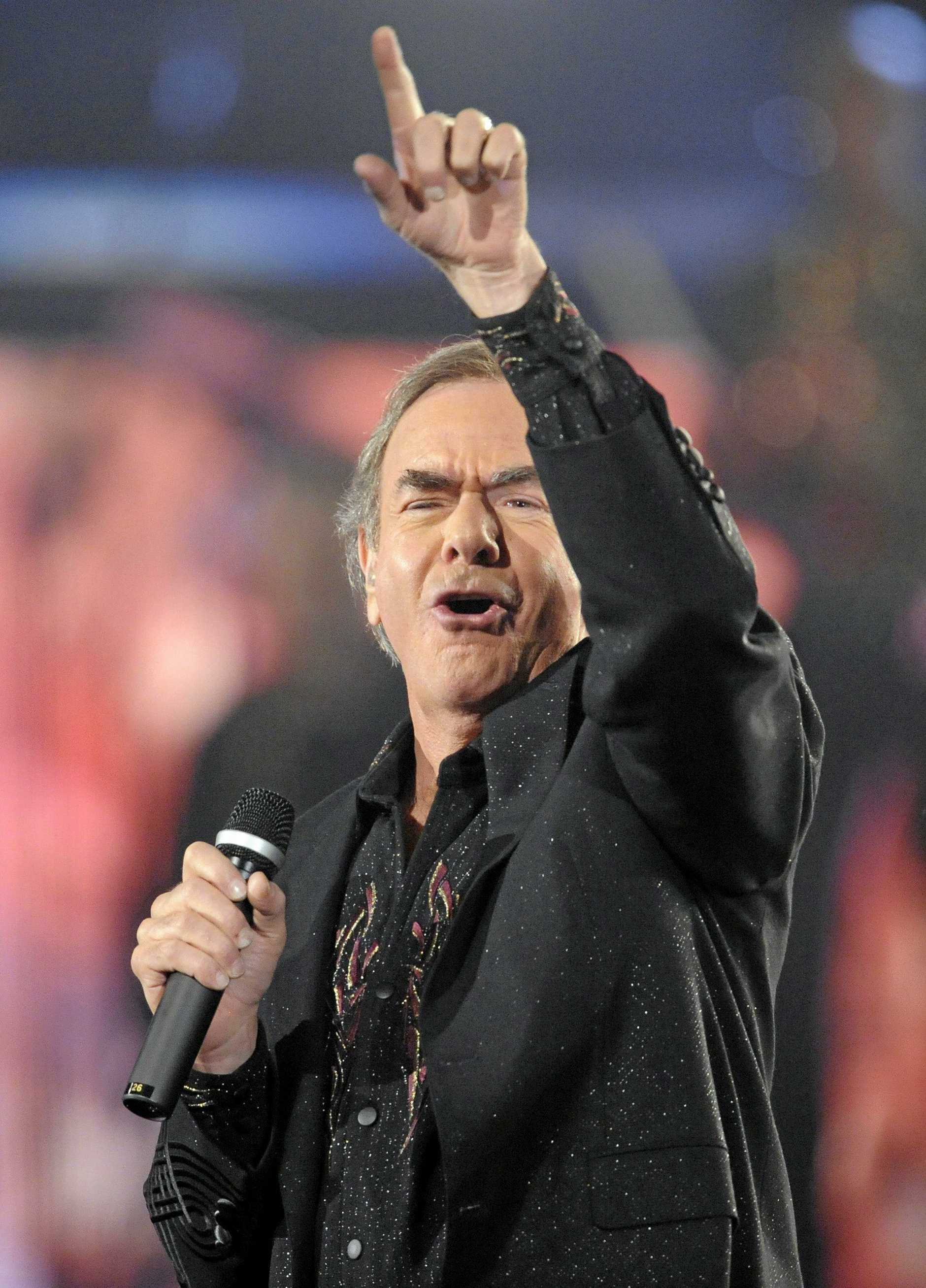 Neil Diamond performs at the 51st Annual Grammy Awards on Sunday, Feb. 8, 2009, in Los Angeles. (AP Photo/Mark J. Terrill)