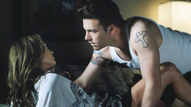 Jennifer Lopez and Ben Affleck are stunning. This scene wasn't.