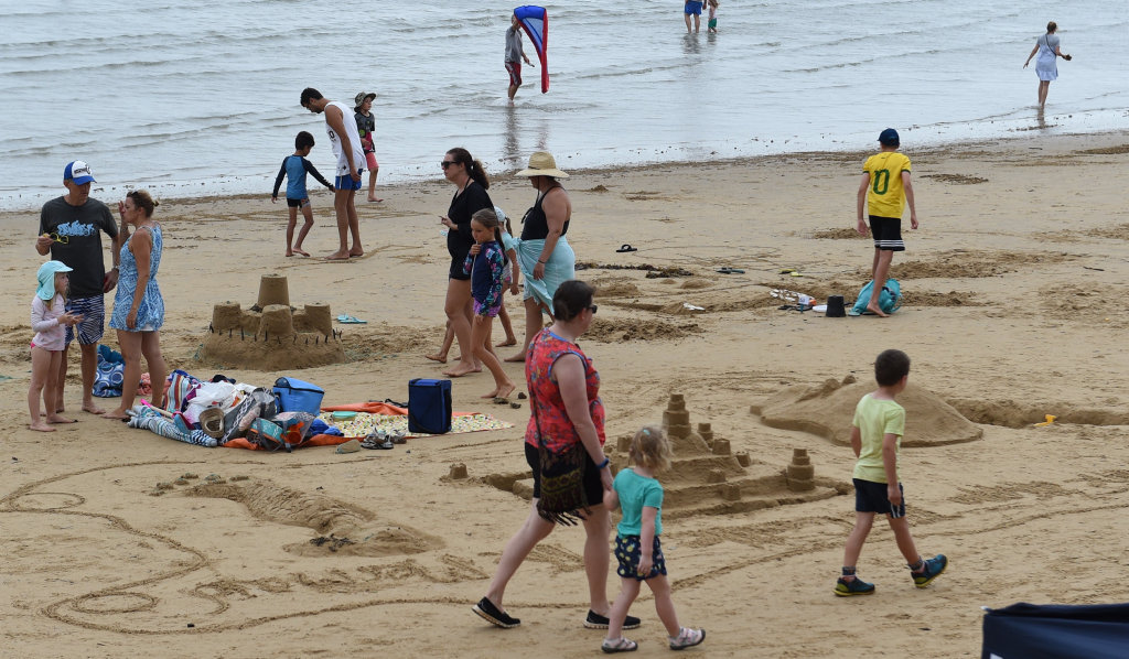 Image for sale: Sand sculpting competition at Scarness Beach.