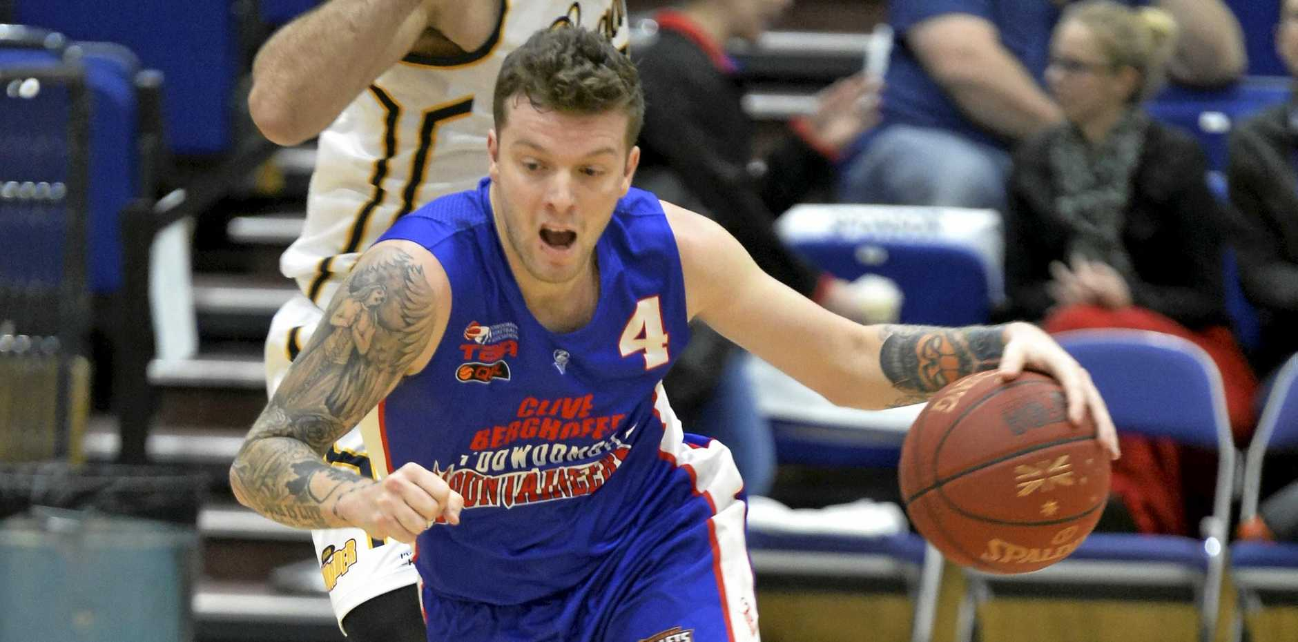 ON COURT: Marty Nolen in action for the Toowoomba Mountaineers against Logan Thunder last season.
