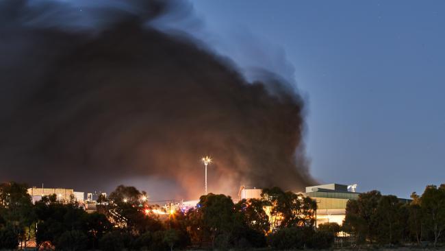 The huge fire at Thomas Foods International outside Murray Bridge. AAP Image/MATT LOXTON
