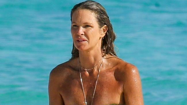 Elle Macpherson's still got 'The Body' at 53. Picture: MiamiPIXX/BackGrid