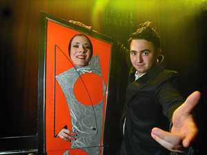 Be amazed with Aussie World's illusionist