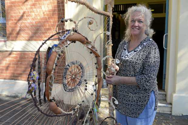 ACITIVIES LOOM: Artist Pamela Denise will facilitate a loom weaving workshop at Maclean Civic Hall on Monday, January 13 as part of Clarence Valley Counci's Out of the Box holiday program.