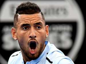 Kyrgios powers through to semi-finals