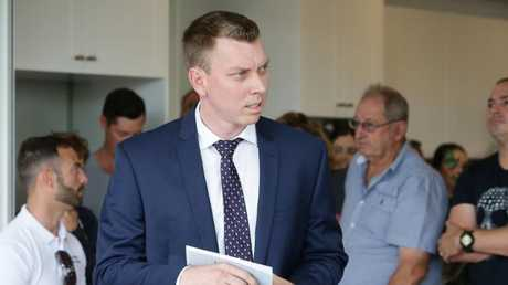Matthew Jabs of Place at the auction of 59 Thirteenth Ave, Kedron. Photo: AAP/Ric Frearson.