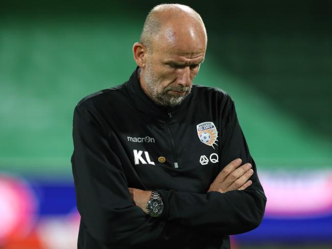 Kenny Lowe reacts (AAP Image/Richard Wainwright)