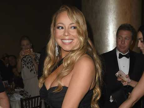 Mariah Carey accidentally sat in Meryl Streep's seat.