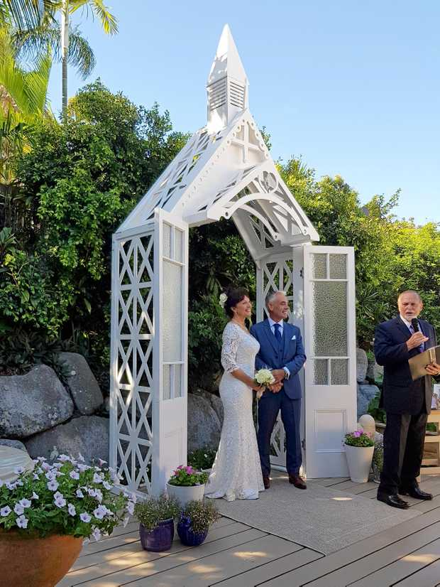 POP UP: A Noosa wedding chapel made to order for that special day.