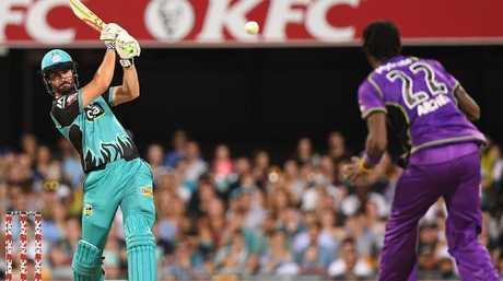 Heat batsman Ben Cutting has signed with the Mumbai Indians.