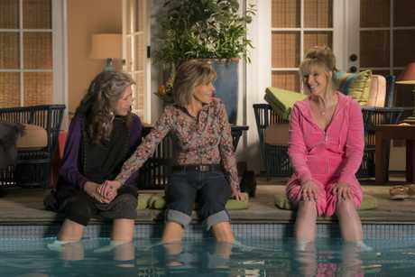 Lily Tomlin, Jane Fonda and Lisa Kudrow in a scene from Grace and Frankie.