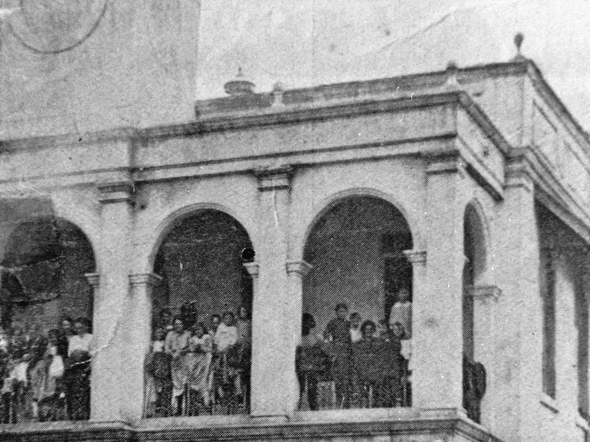 People left homeless after the cyclone in 1918 pictured at Town Hall.