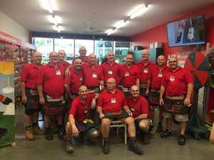 Toowoomba Bunnings workers shave heads for colleague