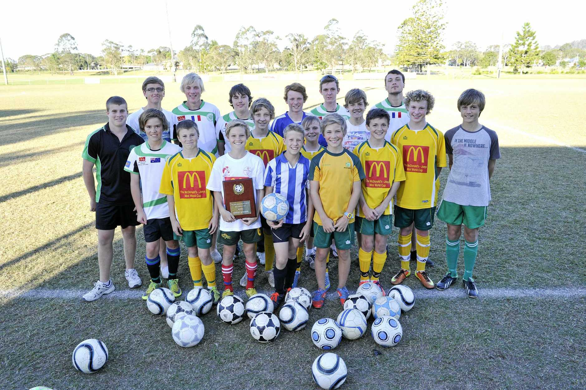 The Under 14's and 17's of the South Lismore Football Club.