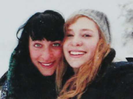 Annabelle Falkholt and her sister Jessica Falkholt.