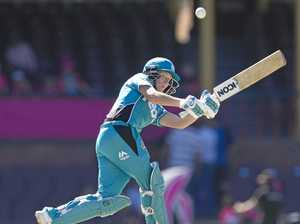 Mooney smashes 60 but Sixers bowlers roll to win