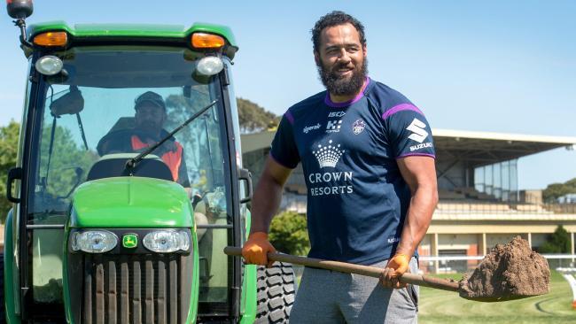 Melbourne prop Sam Kasiano digging holes.