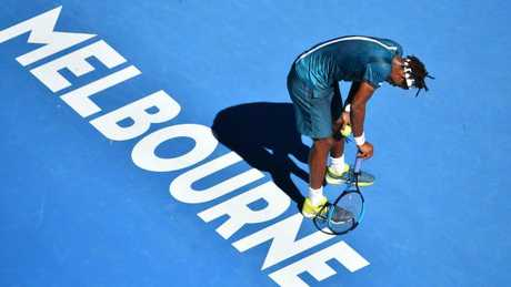 Federer says get on with it as Open defends heat policy
