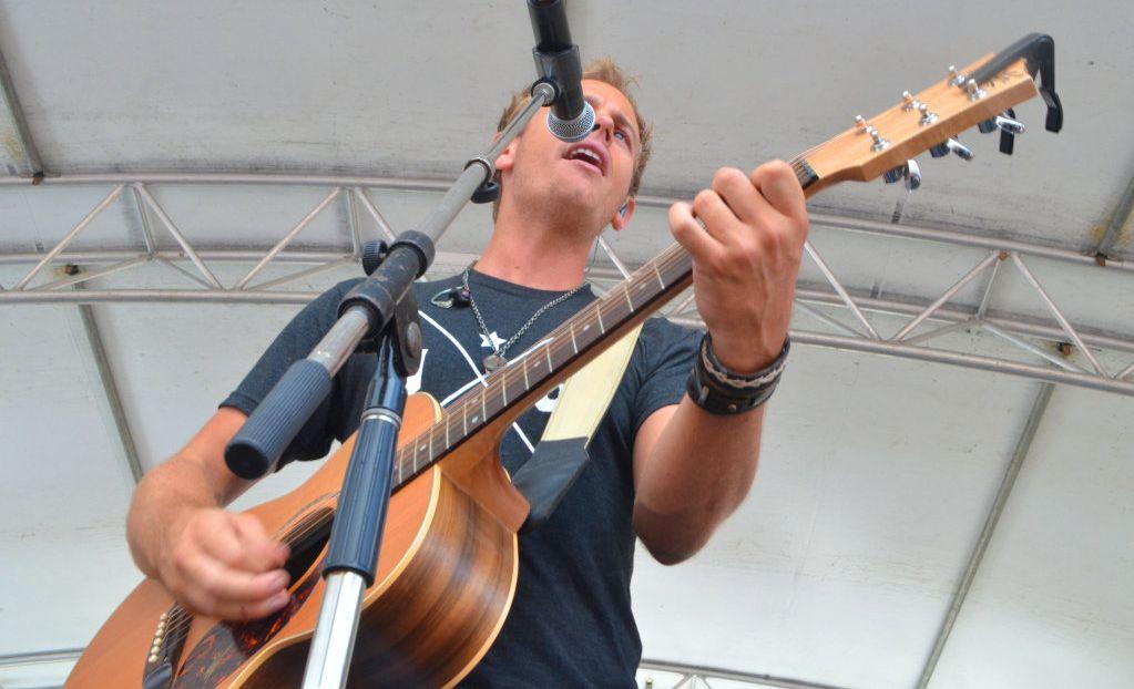 Country artist Mick Lindsay.