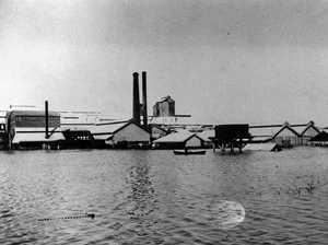 Lake's Creek Meat Works devastated (1918)