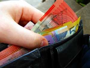 Pinching cash from wallet a bad gamble