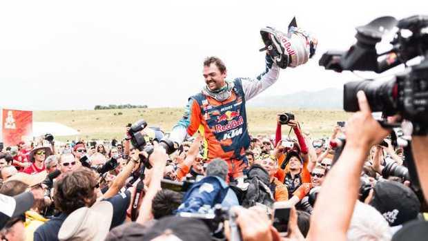 Matthias Walkner celebrates victory at the end of the 2018 Dakar Rally. Pic: PhotosDakar.com / KTM