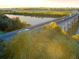 Crane to be delivered to new highway bridge site