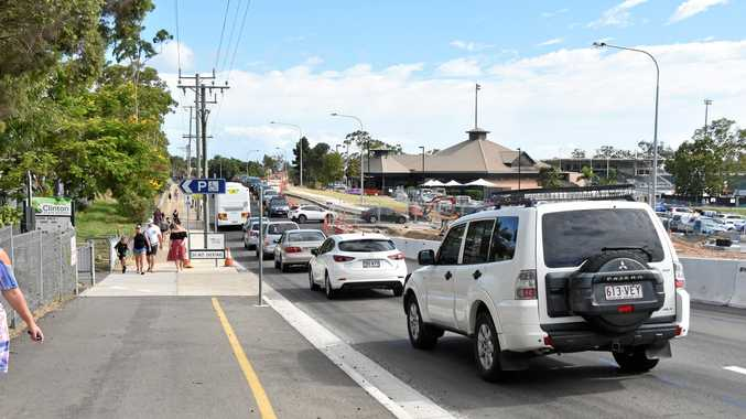 RUSH HOUR: Traffic crawling through the roadworks at Harvey Road outside Clinton State School during the morning school drop-off.