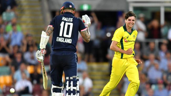 Jhye Richardson (R) dismisses Alex Hales on his ODI debut.