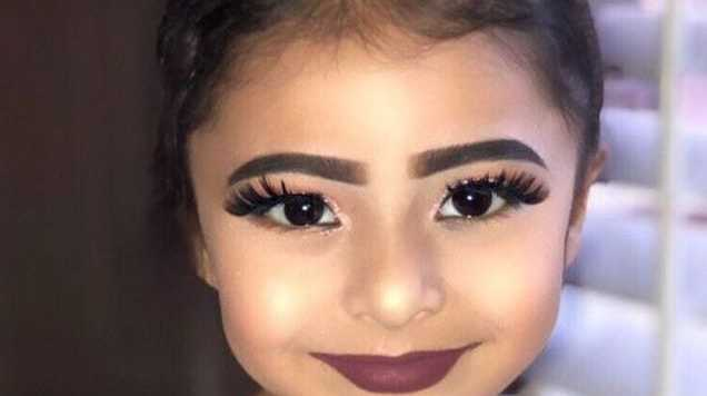 Fashion And Beauty Recruitment Agencies: Beauty Blogger Slammed For 'sexualising' Child With Makeup