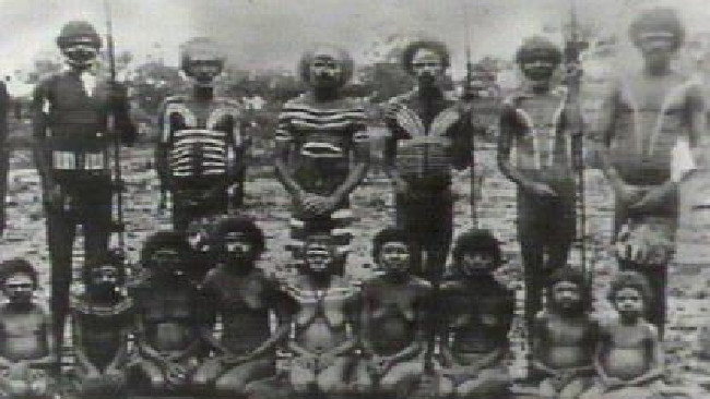 Woolnah (Djerimanga) Aborigines of the Northern Territory, painted, ready for war. Source: William C.J. Tracey Collection/Northern Territory Library