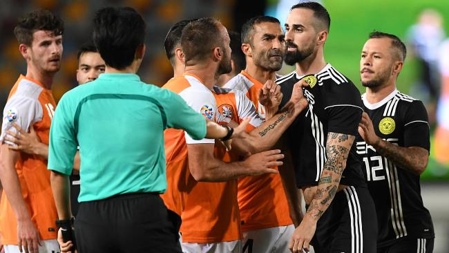 It was a problematic night for Brisbane Roar. (AAP Image/Dave Hunt)