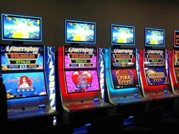 Woman mistakenly handed $1009 pokies winnings spends nearly half in less than two hours.