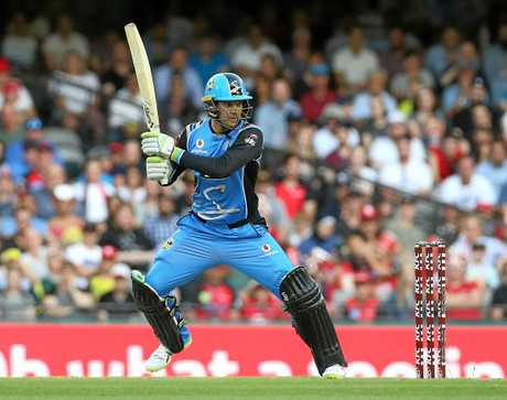 Alex Carey racks up the runs against the Melbourne Renegades.